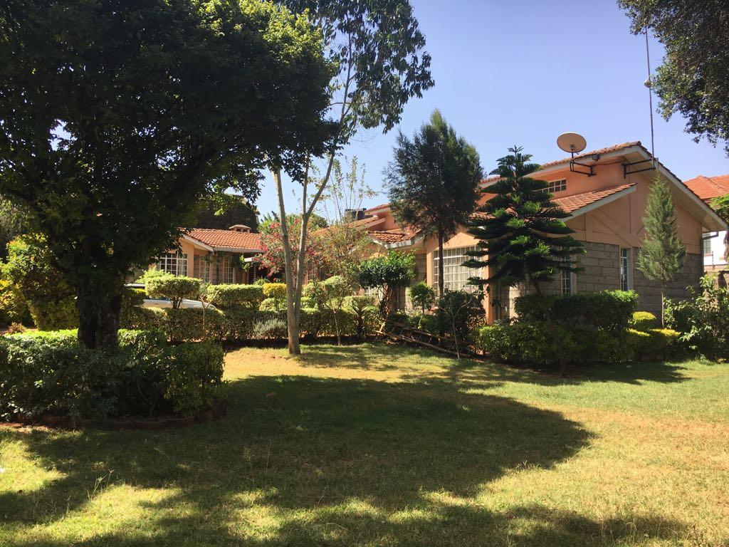 4 bedroom bungalow in Hillcrest, Karen